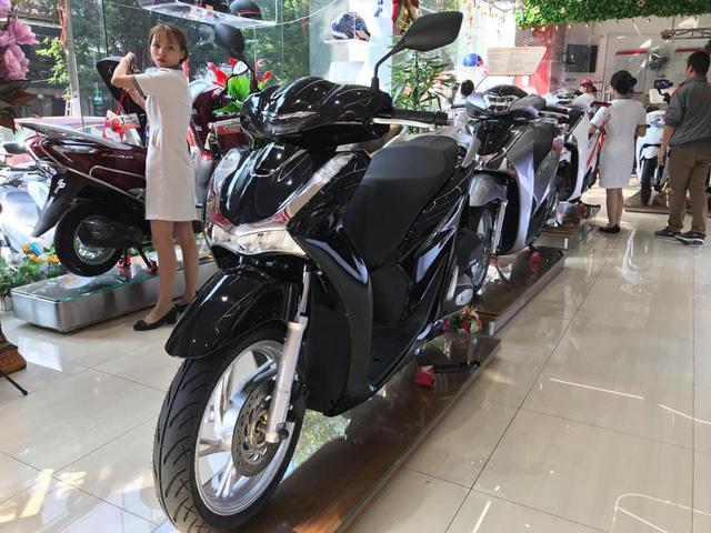 Honda Việt Nam bất ngờ tạm hoãn kế hoạch mở bán SH 150i 2020 - Ảnh 1.