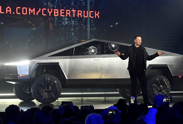 Xe bán tải siêu bền của tỷ phú Elon Musk bị dân mạng chế ảnh châm biếm - Ảnh 1.