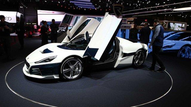 Bugatti im lặng trước tin đồn bị Volkswagen đem bán - Ảnh 1.