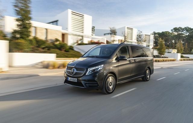 Mercedes-Benz giới thiệu V-Class 2020 tại Việt Nam: Có ghế thương gia, tủ lạnh, giá từ 2,579 tỷ đồng - Ảnh 1.