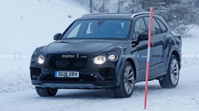 Bentley Bentayga facelift sắp ra mắt: Nâng cấp nhỏ giọt, dễ nhường hào quang cho đối thủ?