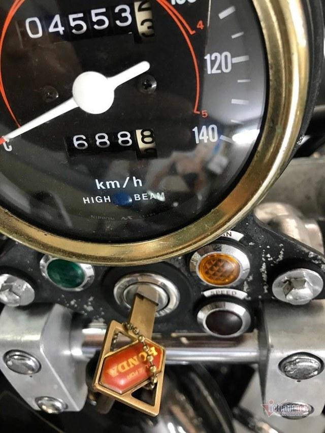 Xe máy Honda 34 năm tuổi giá 220 triệu ở Hà Nội - Ảnh 2.