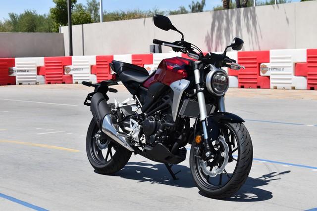 Vừa về nước, Honda CB300R tiếp tục giảm giá thêm 5 triệu đồng - thế khó cho xe chính hãng - Ảnh 1.