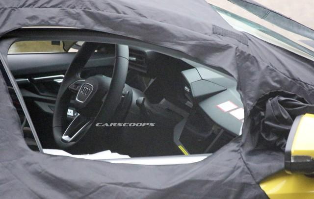 Audi A3 đời mới bất ngờ lộ ảnh nhưng bên trong còn ấn tượng hơn - Ảnh 2.