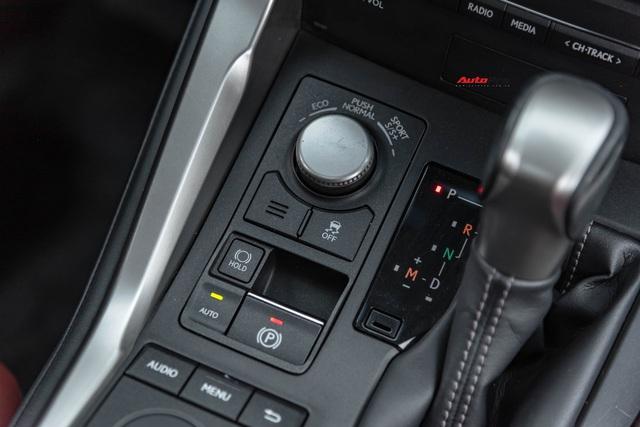 Thần giữ giá Lexus: NX200t đi 3 năm vẫn đắt ngang Mercedes-Benz GLC mua mới - Ảnh 6.
