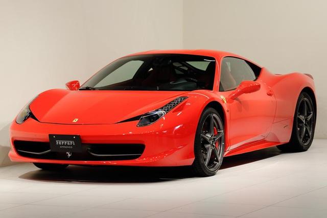 Dai gia dong ho khet tieng Ha Noi dua cung luc 2 chiec Ferrari 458 Italia va McLaren 720S Spider ve Viet Nam