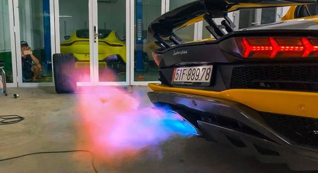 Chi trăm triệu độ pô nhưng vẫn chưa thoả mãn, đại gia Hoàng Kim Khánh tiếp tục nâng cấp vẻ ngoài cho Lamborghini Aventador S giá 40 tỷ đồng - Ảnh 2.