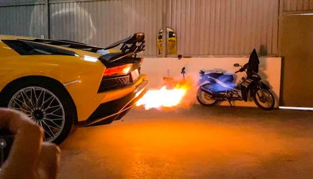 Lamborghini Aventador S 45 tỷ của đại gia thẩm mỹ độ pô hàng trăm triệu đồng, chỉ có 18 bộ trên toàn thế giới - Ảnh 1.