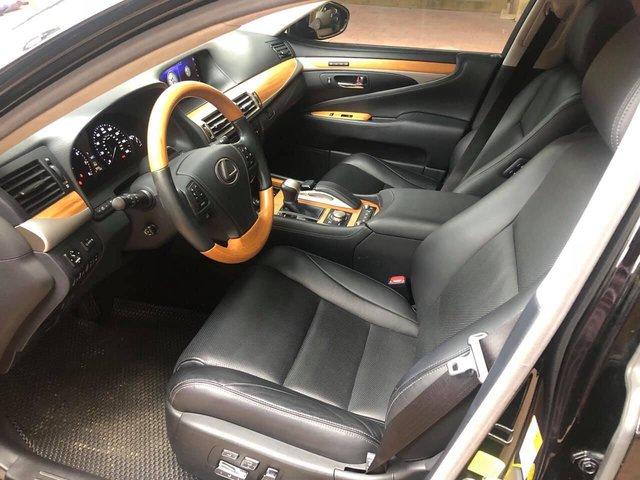 3 năm tuổi, hàng hiếm Lexus LS460L bán lại vẫn đắt hơn Mercedes-Benz S-Class mua mới - Ảnh 3.