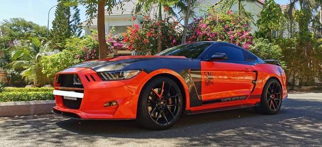 Ford Mustang độ khét lẹt được rao bán giá 2,1 tỷ đồng tại Việt Nam - Ảnh 1.