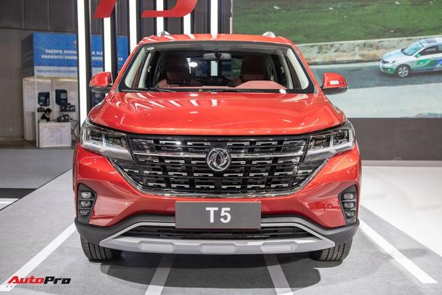 Cận cảnh Dongfeng T5 giá khoảng 700 triệu đồng vừa ra mắt Việt Nam: Đấu Honda CR-V bằng động cơ BMW, công nghệ tràn ngập - Ảnh 1.