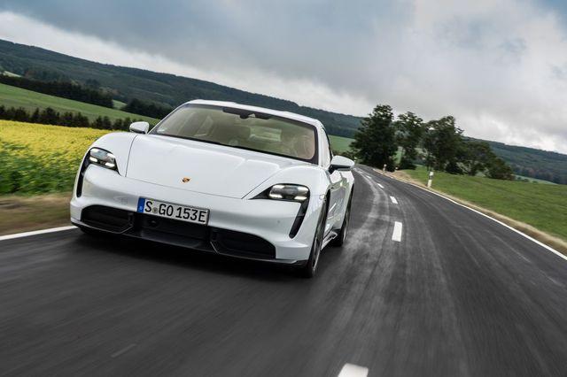 Đánh giá Porsche Taycan sắp về Việt Nam: Siêu phẩm có gót chân A-sin - Ảnh 3.