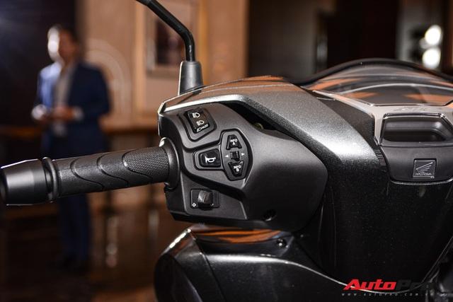 Những điểm mới trên Honda SH 125i/150i vừa ra mắt Việt Nam: Hổ mọc thêm cánh - Ảnh 6.