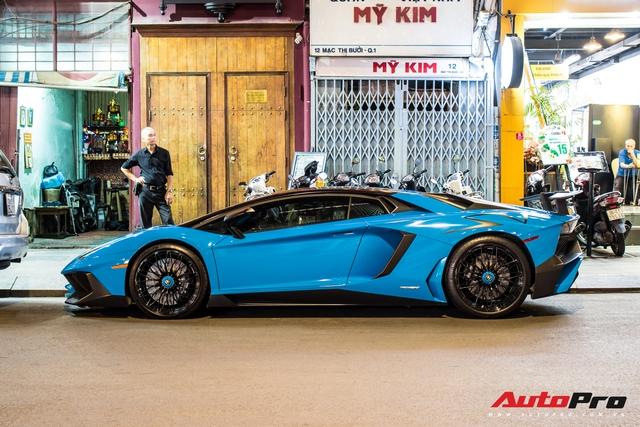 Bộ ba Lamborghini hàng độc tại Việt Nam khuấy động đường phố Sài Gòn cuối tuần - Ảnh 9.