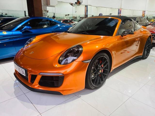 Chán màu gốc giá ngàn USD, đại gia Việt thay áo cho Porsche 911 Targa 4 GTS độc nhất Việt Nam - Ảnh 4.