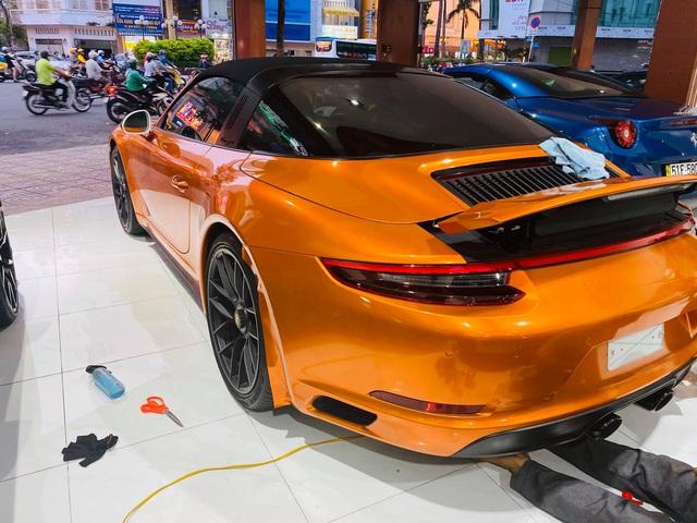 Chán màu gốc giá ngàn USD, đại gia Việt thay áo cho Porsche 911 Targa 4 GTS độc nhất Việt Nam - Ảnh 5.