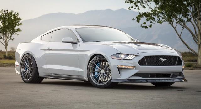 Ra mắt Ford Mustang Lithium - Xe cơ bắp không thể gầm rú trên đường phố - Ảnh 1.