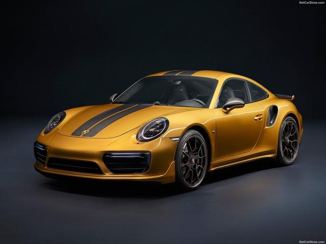 porsche 911turbosexclusiveseries 2017 1600 01 1573128359108541810276 - Chán màu gốc giá ngàn USD, đại gia Việt thay áo cho Porsche 911 Targa 4 GTS độc nhất Việt Nam