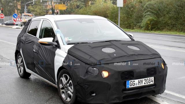 Hyundai i20 mới lộ diện với bảng đồng hồ kỹ thuật số cùng chi tiết xe thể thao Aston Martin