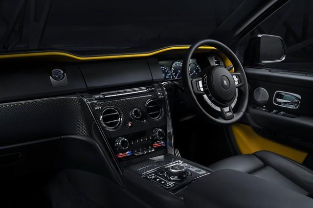 Rolls-Royce Cullinan Black Badge trình làng, tham vọng nhấm chìm Bentley Bentayga Speed - Ảnh 7.
