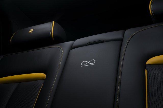 Rolls-Royce Cullinan Black Badge trình làng, tham vọng nhấm chìm Bentley Bentayga Speed - Ảnh 11.