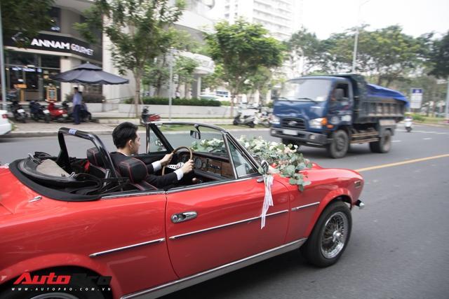 Ông Cao Thắng tự tay cầm lái Fiat 124 Sport Spider đến nhà ca sĩ Đông Nhi rước dâu - Ảnh 3.