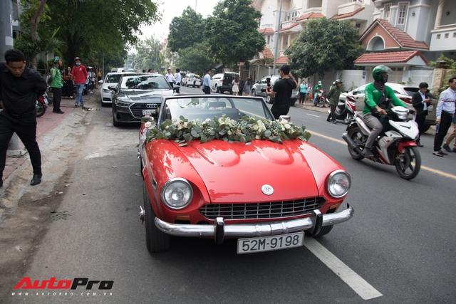Ông Cao Thắng tự tay cầm lái Fiat 124 Sport Spider đến nhà ca sĩ Đông Nhi rước dâu - Ảnh 5.