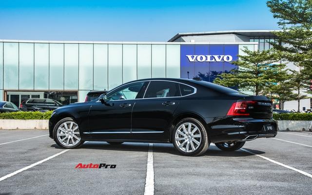 Cùng giá hơn 2,1 tỷ đồng, chọn Volvo S90 Inscription 2020 hay Mercedes-Benz E 200 2019? - Ảnh 5.