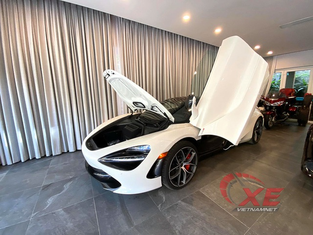Choáng ngợp siêu xe đẳng cấp của trưởng đoàn Car & Passion - Ảnh 3.