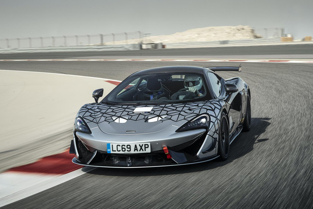 McLaren 620R ra mắt: Chuyển hóa giá trị xe đua thành thực tiễn - Ảnh 1.