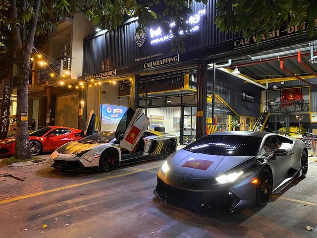 Cường Đô-la, trưởng đoàn Car Passion cùng giới đại gia Sài Gòn mang dàn siêu xe hơn 50 tỷ đi bão sau chiến thắng lịch sử của U22 Việt Nam tại SEA Games 30 - Ảnh 4.