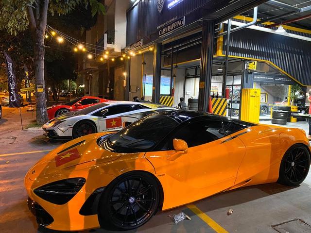 Cường Đô-la, trưởng đoàn Car Passion cùng giới đại gia Sài Gòn mang dàn siêu xe hơn 50 tỷ đi bão sau chiến thắng lịch sử của U22 Việt Nam tại SEA Games 30 - Ảnh 5.