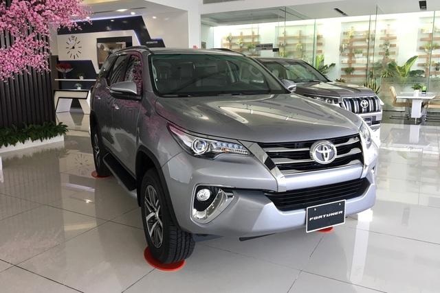 Cuộc đua giảm giá xe bằng chiêu thức mới trên thị trường ô tô Việt: Đổi ra tiền mặt tới cả trăm triệu đồng - Ảnh 2.