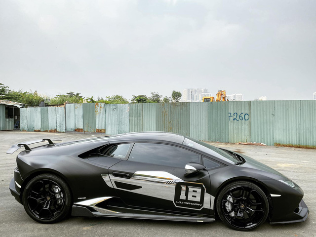 Lamborghini Huracan từng của đại gia Nam Định bất ngờ xuất hiện tại Sài Gòn - Ảnh 1.