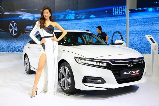 Honda Accord lần đầu bán vượt Mazda6 tại Việt Nam - khi giá rẻ không đủ tạo lợi thế - Ảnh 1.