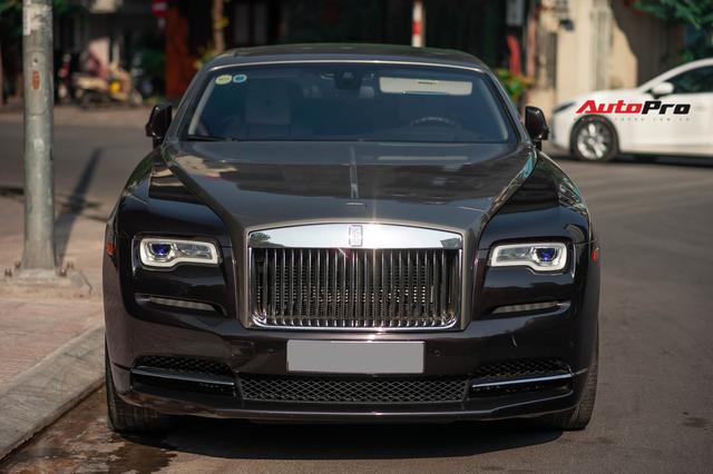 Bắt gặp Rolls-Royce Wraith độ độc đáo của dân chơi đồng hồ khét tiếng tại Hà Nội - Ảnh 3.