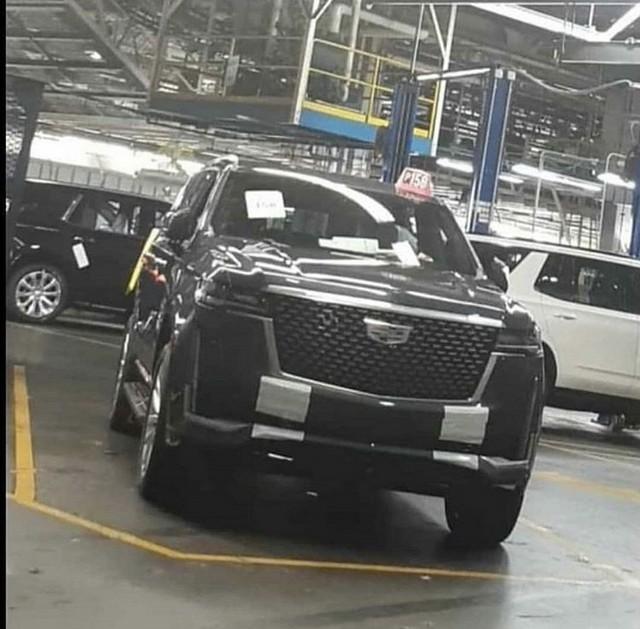 Lộ nội, ngoại thất khủng long Cadillac Escalade mới đối đầu Mercedes-Benz GLS - Ảnh 1.