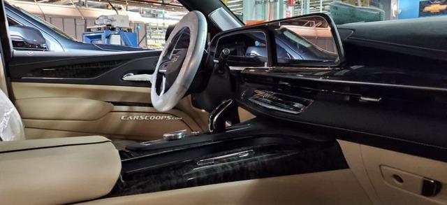 Lộ nội, ngoại thất khủng long Cadillac Escalade mới đối đầu Mercedes-Benz GLS - Ảnh 2.