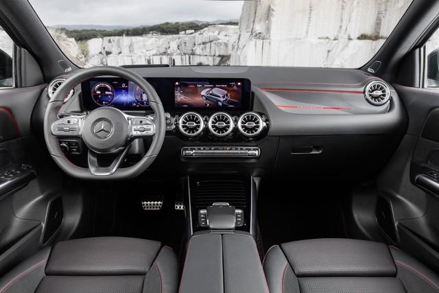 SUV hiệu suất cao giá rẻ Mercedes-AMG GLA 35 sẽ mở bán vào đầu năm 2020 - Ảnh 5.