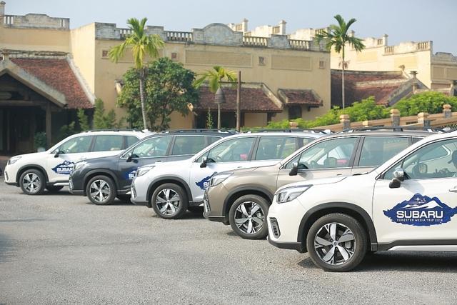 Bất chấp cơn lốc giảm giá, tháng 11 ô tô vẫn tăng trưởng thấp - Ảnh 1.