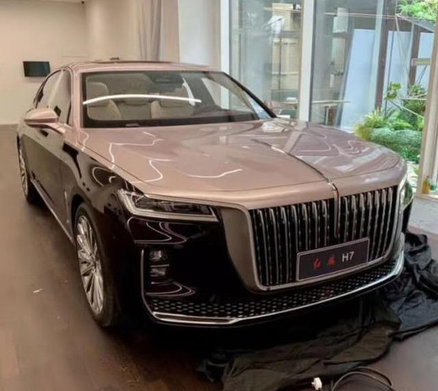 Lộ diện Hongqi H7 - Sedan siêu sang Trung Quốc mang vóc dáng Rolls-Royce thách thức Mercedes E-Class, BMW X5 - Ảnh 2.
