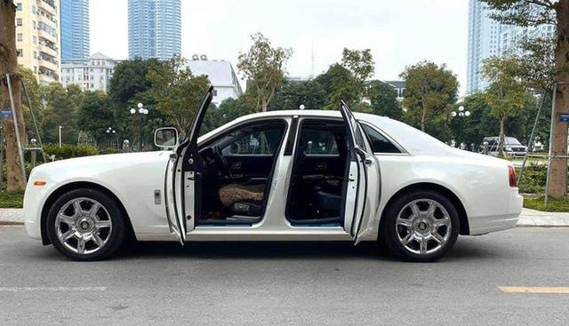 Loạt Rolls-Royce cũ biển siêu đẹp, rao bán giá khủng - Ảnh 2.