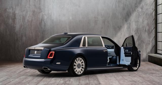 The Rose Phantom - Siêu phẩm Rolls-Royce với kỷ lục 1 triệu đường chỉ khâu cho vườn hoa trong xe - Ảnh 1.