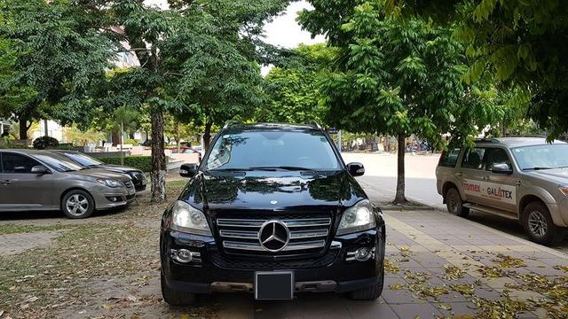 Qua thời đỉnh cao, khủng long Mercedes-Benz GL550 có giá hơn 700 triệu đồng, rẻ ngang Toyota Innova 2019 - Ảnh 1.