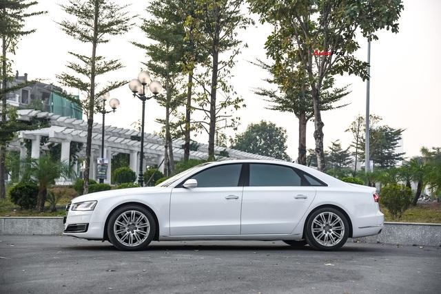 Audi A8L xuống giá còn hơn 2,7 tỷ đồng sau hơn 53.000 km - lựa chọn cho đại gia chán Mercedes-Benz S-Class và BMW 7-Series - Ảnh 2.