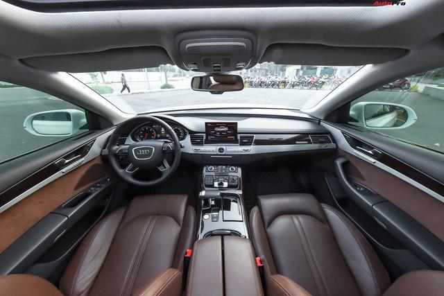 Audi A8L xuống giá còn hơn 2,7 tỷ đồng sau hơn 53.000 km - lựa chọn cho đại gia chán Mercedes-Benz S-Class và BMW 7-Series - Ảnh 4.