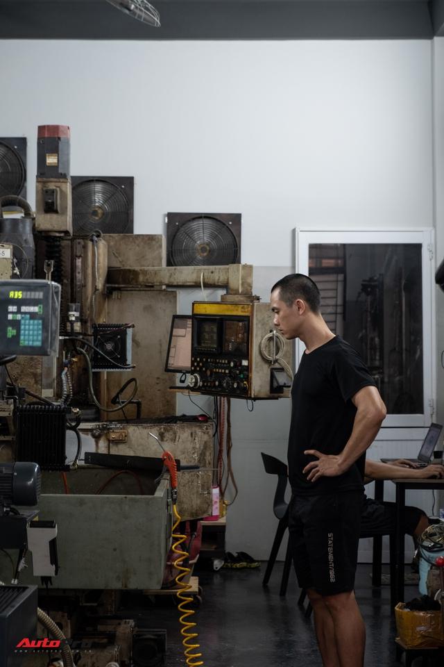 Mai Huy: Từ chế tạo đồ quay phim tới 'nghệ sĩ' mô tô khởi nghiệp từ bộ nhông dĩa xe máy - Ảnh 5.