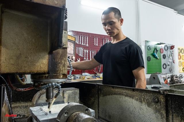 Mai Huy: Từ chế tạo đồ quay phim tới 'nghệ sĩ' mô tô khởi nghiệp từ bộ nhông dĩa xe máy - Ảnh 4.