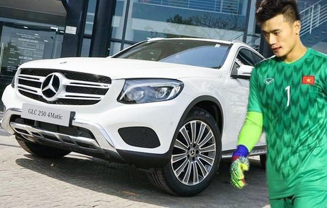 Thú chơi xe sang của đại gia tặng Mercedes-Benz cho thủ môn Bùi Tiến Dũng - Ảnh 1.