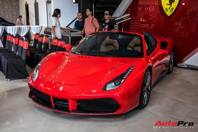 Lóa mắt với dàn siêu xe, xe sang bạc tỷ quy tụ tại buổi khai trương đại lý nhiều siêu xe nhất Việt Nam  - Ảnh 2.